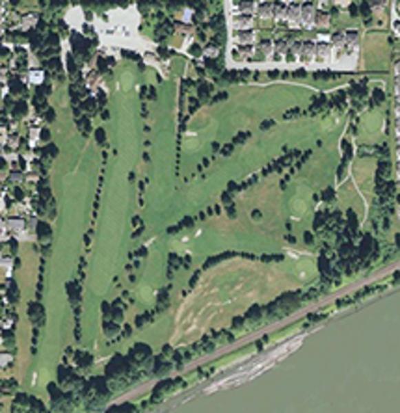 photo Maple Ridge Golf Course