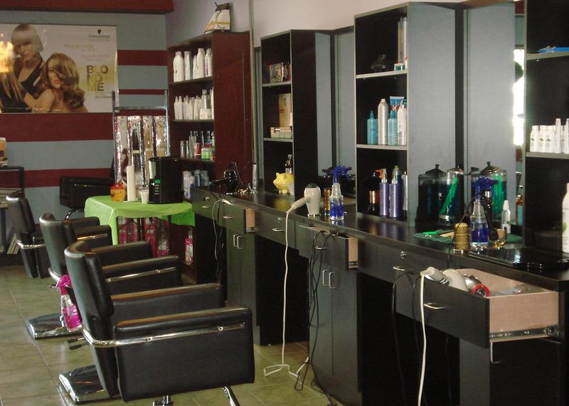 Hair Garage - London, ON - 6-1141 Highbury Ave N